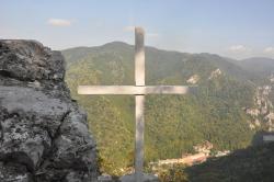 Atractie Turistica - Crucea Alba - Baile Herculane - Centru Turistic