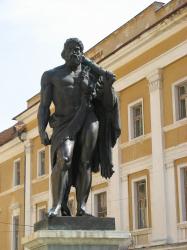Atractie Turistica - Statuia lui Hercules - Baile Herculane - Centru Turistic