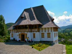 Atractie Turistica - Manastirea - Barsana - Centru Turistic