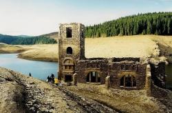 Atractie Turistica - Biserica de sub lac - Belis - Centru Turistic
