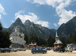 Atractie Turistica - Manastirea Caraiman - Busteni - Centru Turistic