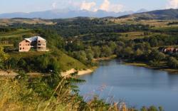 Atractie Turistica - Lacul Cincis - Cincis Cerna - Centru Turistic