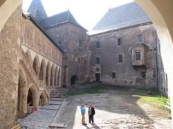 Atractie Turistica - Castelul Huniazilor - Hunedoara - Centru Turistic