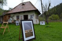 Atractie Turistica - Casuta cu imagini - Moeciu - Centru Turistic