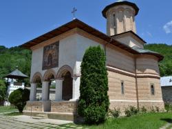 Atractie Turistica - Manastirea Polovragi - Polovragi - Centru Turistic