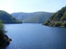 Atractie Turistica - Lacul si barajul Tarnita - Rasca - Centru Turistic