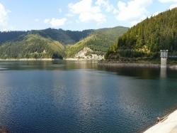 Atractie Turistica - Lacul Pecineagu - Rucar - Centru Turistic