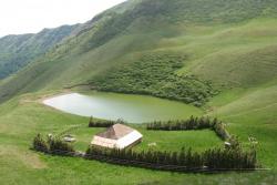 Atractie Turistica - Lacul Vulturilor - Siriu - Centru Turistic