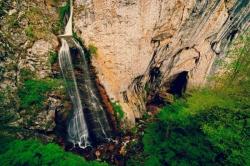 Atractie Turistica - Vanatarile Ponorului - Ungureni - Centru Turistic