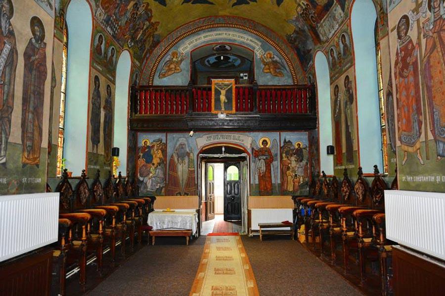 Atractie Turistica - Biserica Sfanta Treime - Azuga - Centru Turistic