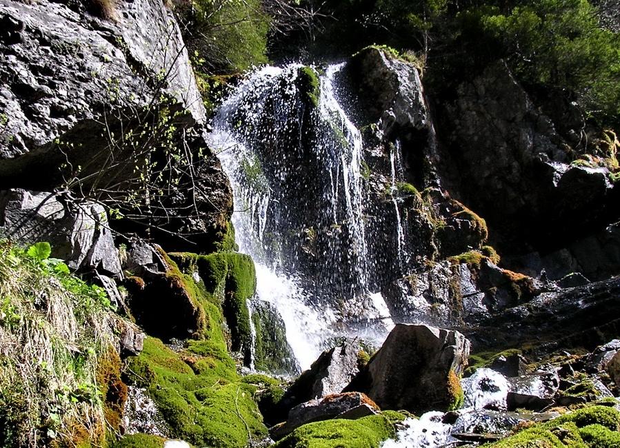 Atractie Turistica - Cascada Caraiman - Busteni - Centru Turistic