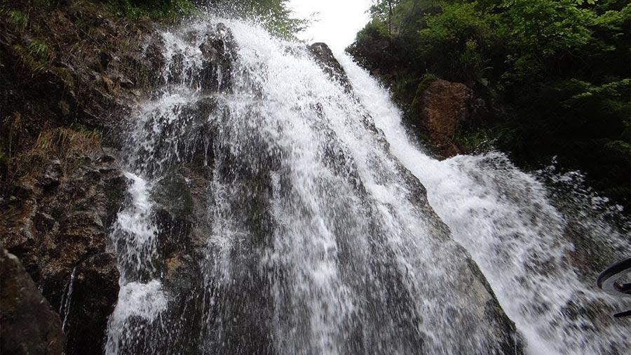 Atractie Turistica - Cascada Urlatoarea - Busteni - Centru Turistic