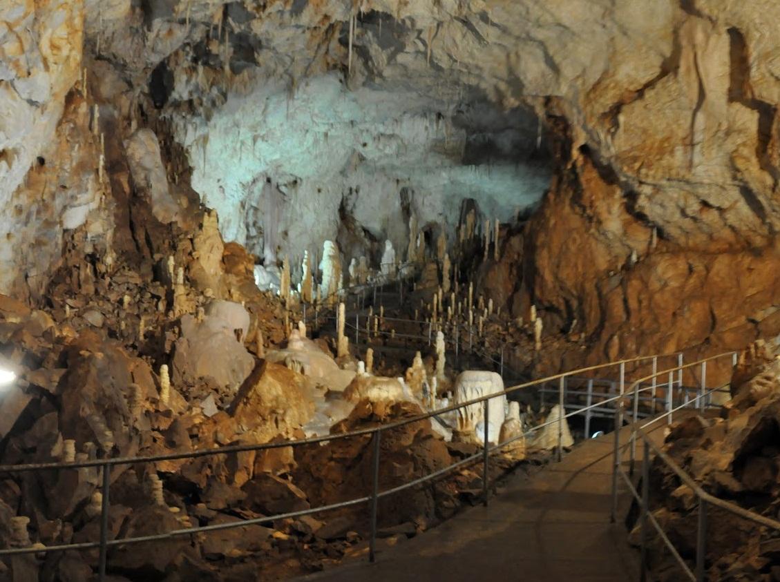 Atractie Turistica - Pestera Ursilor - Chiscau - Centru Turistic