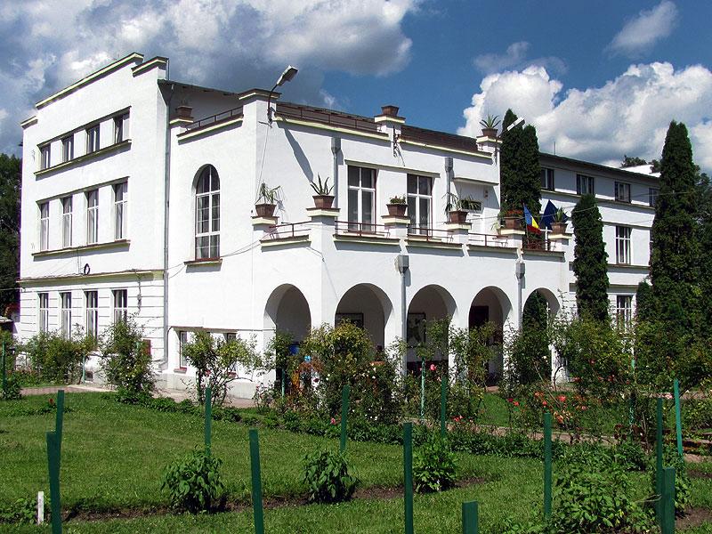 Atractie Turistica - Muzeul Botanic - Cluj Napoca - Centru Turistic
