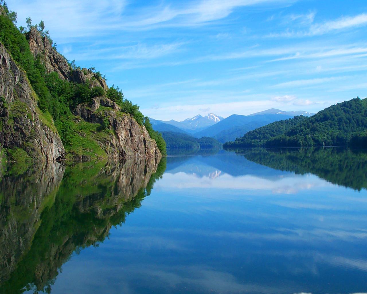Atractie Turistica - Barajul Vidraru - Curtea de Arges - Centru Turistic