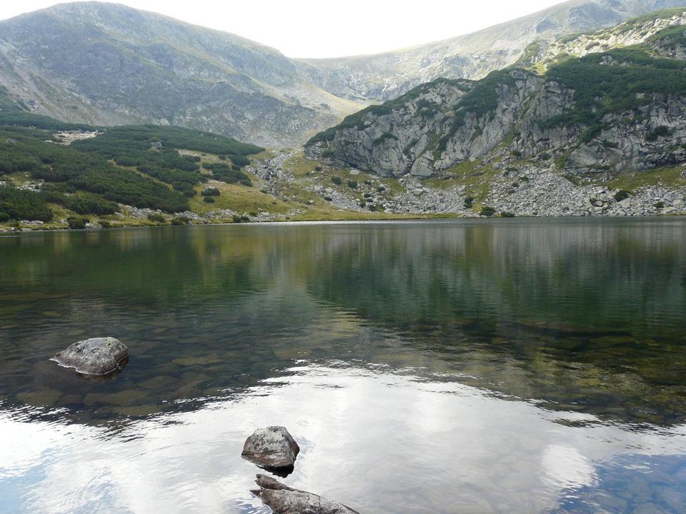 Atractie Turistica - Lacul Galcescu Calcescu - Novaci - Centru Turistic