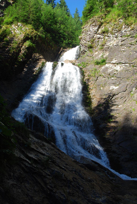 Atractie Turistica - Cascada Valul Miresei - Rachitele - Centru Turistic