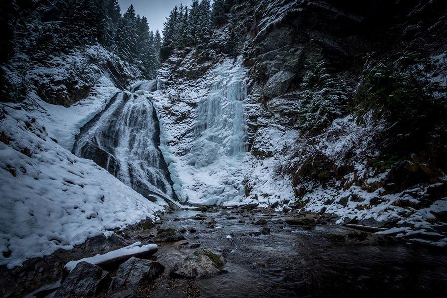 Atractie Turistica - Cascada Valul Miresii - Rachitele - Centru Turistic