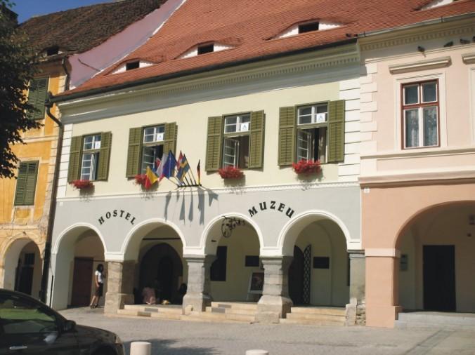 Atractie Turistica - Muzeul de istorie a farmaciei - Sibiu - Centru Turistic
