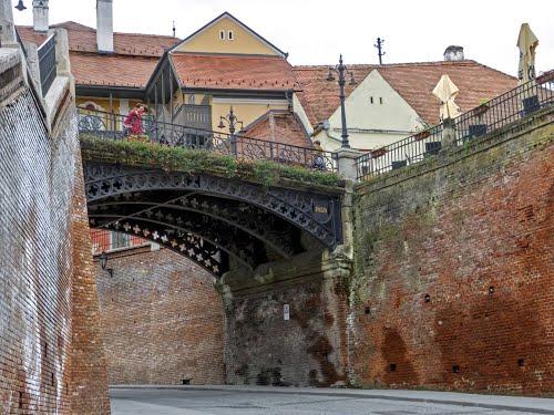 Atractie Turistica - Podul Minciunilor - Sibiu - Centru Turistic