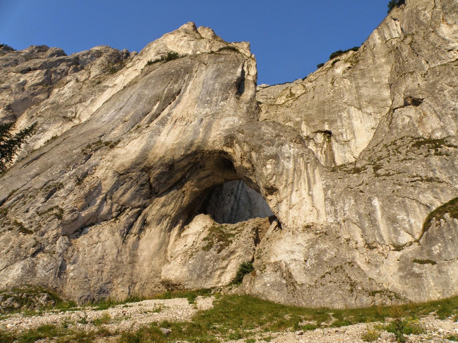 Atractie Turistica - Gaurile La Zaplaz - Zarnesti - Centru Turistic