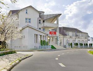 Cazare - Hotel Amana Inn - Campina
