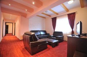 Cazare - Apartament 3 camere - Hotel Flo Mary - Bran