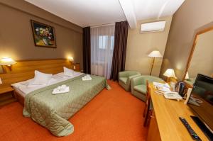 Cazare - Camera dublu matrimoniala - Hotel Rivulus - Baia Mare