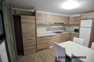 Cazare - Vila Navona - Saturn