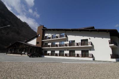 Cazare - Hotel Class - Brezoi