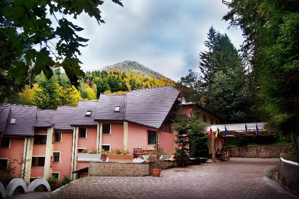 Cazare - Hotel Dobru - Slanic Moldova